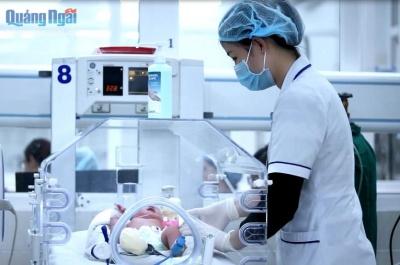 sẵn sàng tiêm chủng vắc xin cho trẻ sơ sinh
